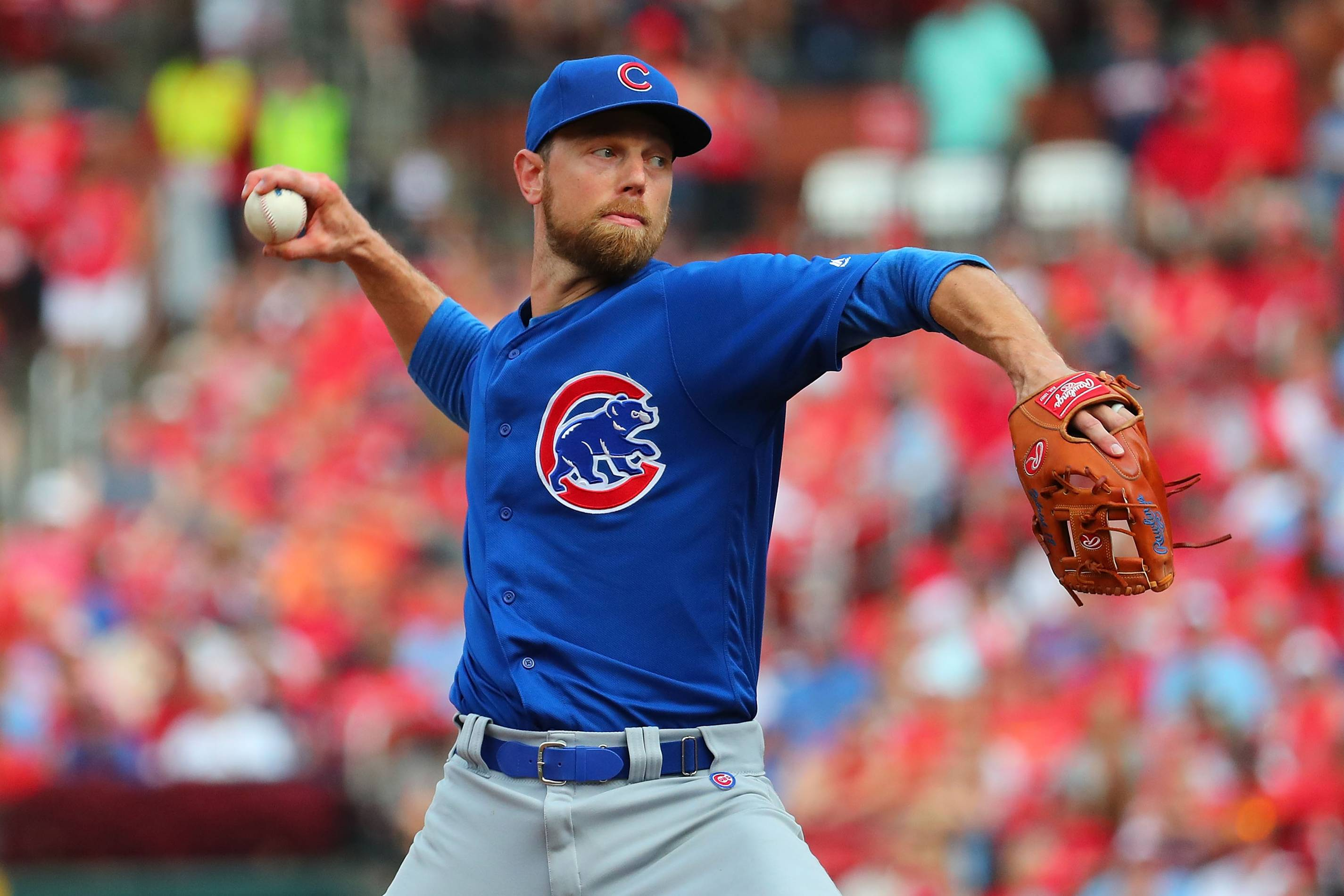 Chicago Cubs MVP Ben Zobrist throws a pitch in 2019